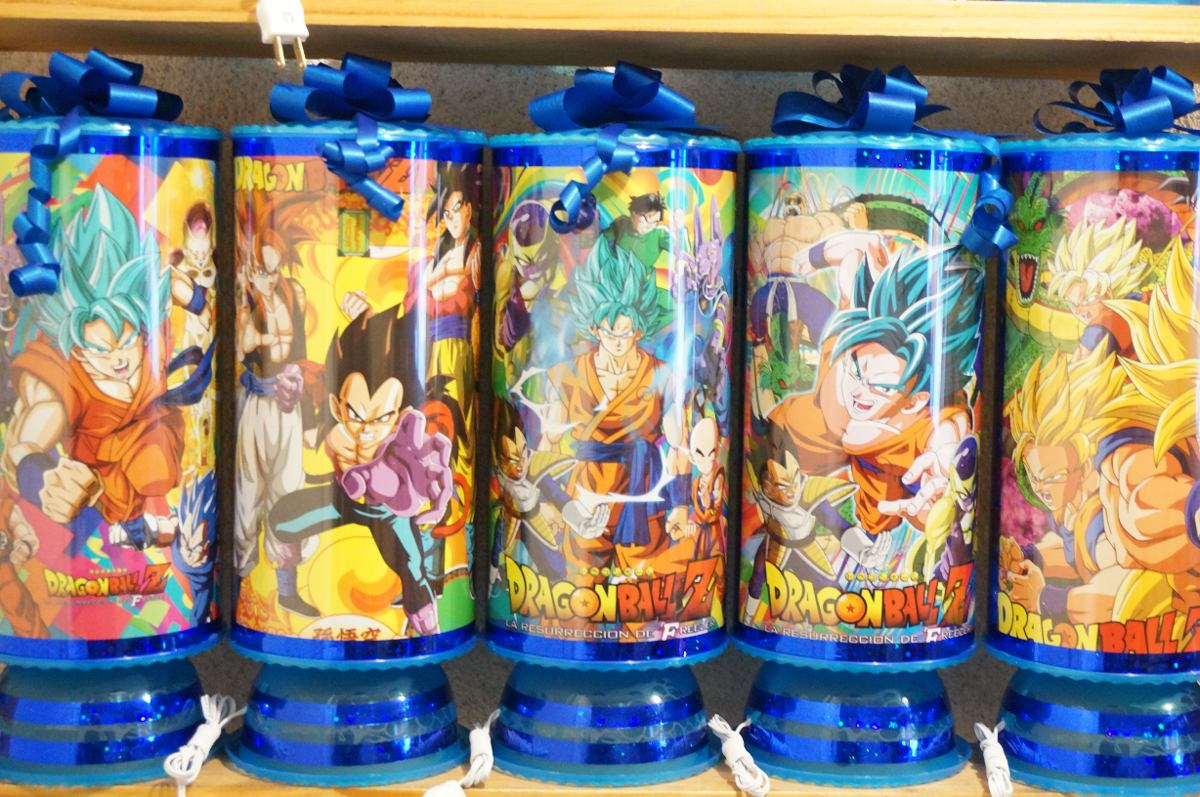 Centros de mesa de goku dragon ball z car interior design for Mesas de centro
