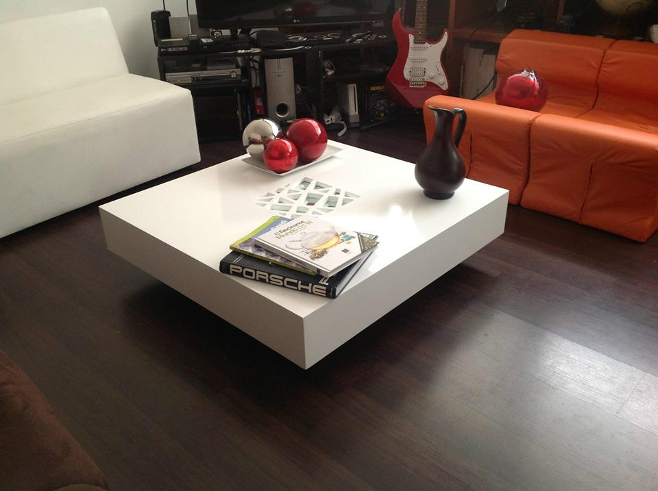Fotos de mesas de centro minimalistas imagui for Mesas esquineras modernas