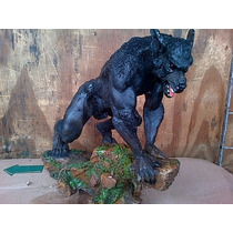 Figura Artesanal En Resina El Hombre Lobo