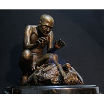Escultura De Bronce Con Fuego Real De Hombre Meditando
