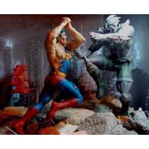 Escultura La Muerte De Superman Vs Doomsday