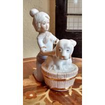 Bañando Al Perro Figura De Porcelana Antigua Japonesa.