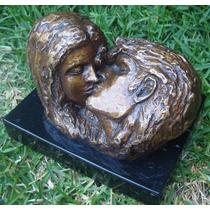 El Beso , Escultura De Bronce, Muy Bonita! Op4