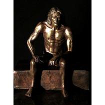 Escultura De Hombre Meditando En Bronce Desnudo Artistico