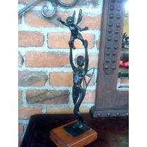 Escultura De Mujer Mariposa Con Su Hijo. De Bronce. Unica.