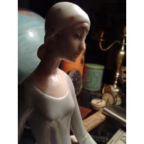Figura De Porcelana Española Fina Pieza De Decoración
