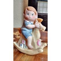 Niño En Caballito Figura De Porcelana Antigua De Hong Kong.