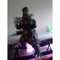 Godzilla Burning 30 Cms