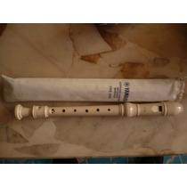 Flauta Soprano Escolar Yamaha Yrs20b