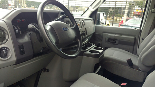 Ford Econoline 3p Xl 15 Pasajeros V8 5.4l 2011