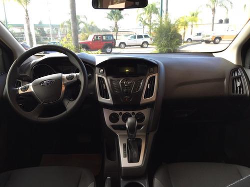 Ford Focus 4p Se Aut 2012