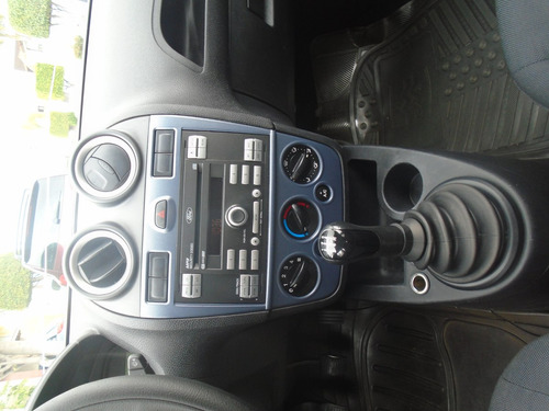 Ford Ikon 2013 Clima Manual 5 Vel