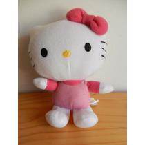 Hello Kitty Muñeco De Peluche Color Rosa