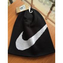 Gorro Nike Negro