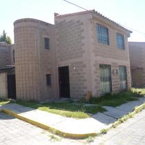 Casa Sola En Esquina, Conjuntos Cerrado. En Excelente Estad
