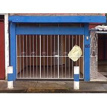 Local Comercial Cuenta Con Baño, Reja De Seguridad.