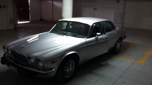 Jaguar Clasico Plateado
