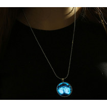 Collar Glow In Dark Om/arbol De Cerezos