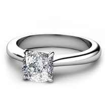 Anillo De Compromiso Con Diamante Cushion De 1.00 Ct. En 14k