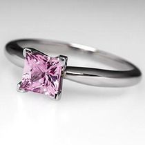 Anillo Diamante Princess Rosa 1.00 Cts. En Oro De 14k.