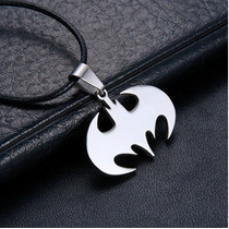 Collar De Acero Inoxidable Con Figura Batman Unisex