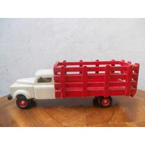 Antiguo Camión De Madera Hecho A Mano