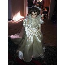 Muñeca De Porcelana Con Vestido De Novia
