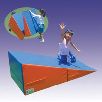 Rampa Plegable De Estimulación Psicomotriz Marca Kids Colors