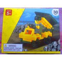 Camion De Volteo Con Figura Armable Tipo Lego