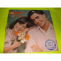 Acetato Canta Con Enrique Y Ana, Baila Con El Hula Hoop