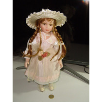 Muñeca De Porcelana 40 Cm Con Base Para Tenerla De Pie Mbp