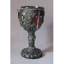 Copa Con Escudo Scout, Medieval