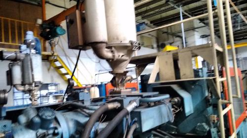 Maquina De Inyeccion De 1300 Tons En Excelentes Condiciones.