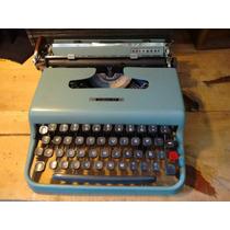 Antigua Máquina De Escribir Olivetti Letrera 22