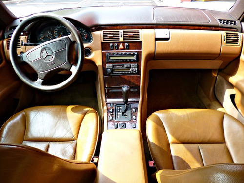 Mercedes Benz E320 1998