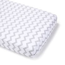 Summer Infant Full Size Crib Sheet Gray Chevron