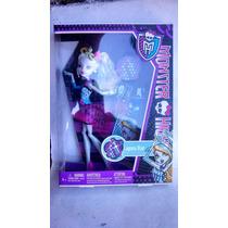 Excelente Figura De La Serie Monster High