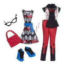 Monster High Ghoulia Aullidos Deluxe Moda Paquete