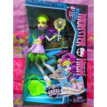 Monster High Spectra Vondergeist Espiritu Necrofago Deporte