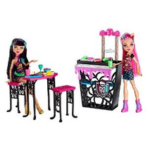 Monster High Creepteria Con Cleo De Nile Y Howleen Lobo Doll