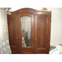 Ropero Antiguo Con 3 Puertas Y Espejo