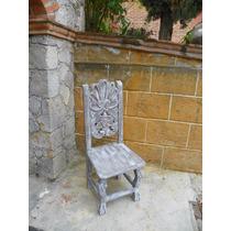 Silla Vintage Tallada En Madera Y Con Decapado Antiguo