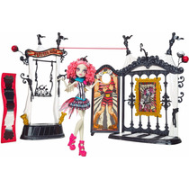 Monster High Rochelle Goyle Circo Monstruoso