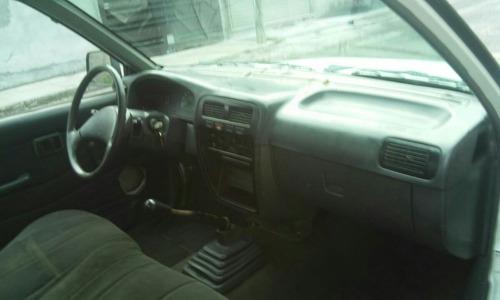 Nissan Pick-up Estaquitas Estaquitas Chasis Largo 2004