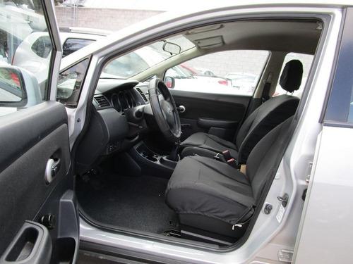 Nissan Tiida 2011 Plateado Version Custom
