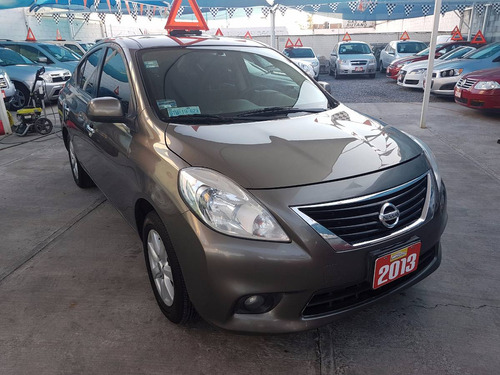 Nissan Versa Advance 2013 Std Equipad