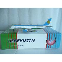 Avion Boeing 757-200 De Uzbekistan Airways 1:400 Gemini Jets