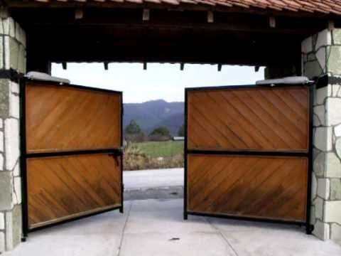 Para nuestra familia zaguanes de madera y herreria for Remate de puertas de madera