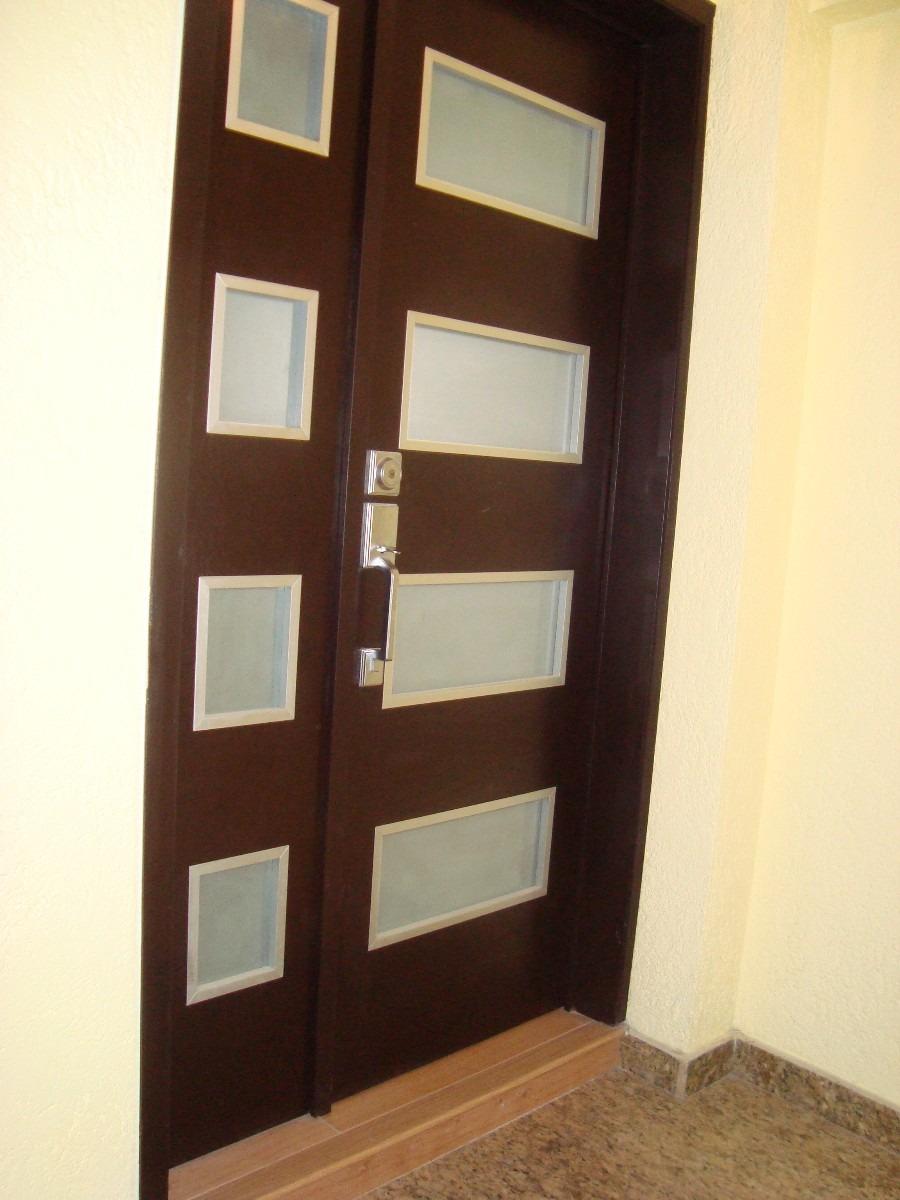 Puertas de madera minimalistas car interior design for Puertas de entrada principal
