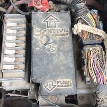 97 Chrysler Cirrus Caja Porta Fusibles 2.5 V6